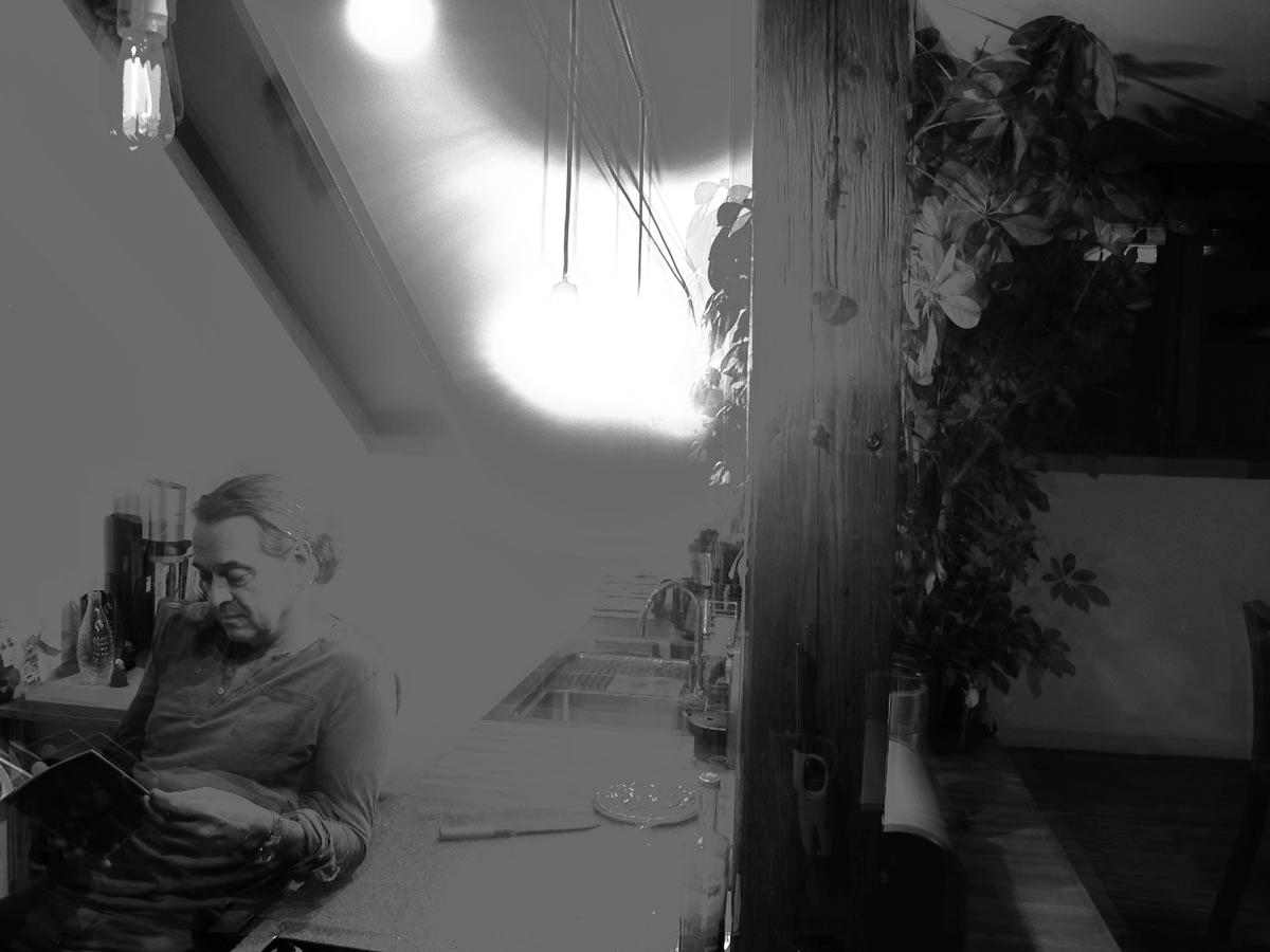 Erleuchtung. Passt irgendwie zu IMAGO DEI. Und seinem Gründer Jo Aichinger.